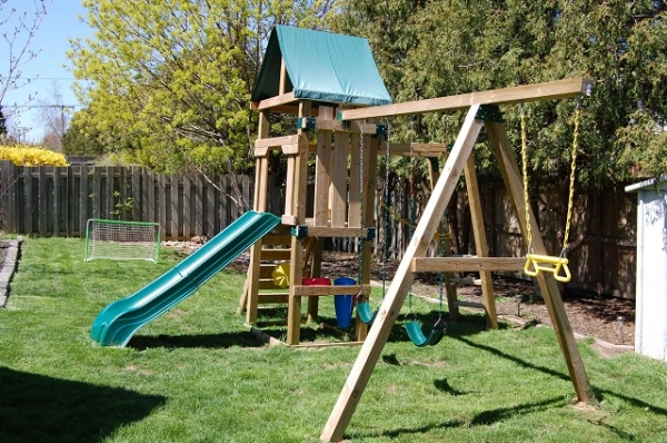 how to start a daycare center in ontario